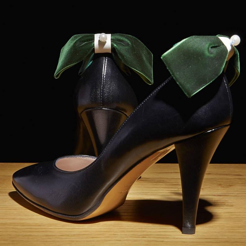 bijoux de chaussures sur des escarpins